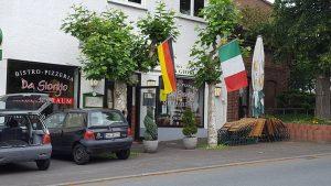 Ehemaliger Gemeinderaum und EDEKA-Laden, heute Pizzeria da Giorgio, 2016, Foto: Pizzeria Da Giorgio