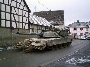 """M 1 - Abrams-Panzer in Esch beim Manöver """"Ready Crucible 2005"""", Bild: Peter Hartmann"""