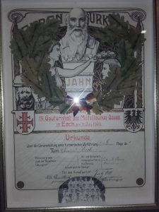 Urkunde für die Damenriege des TV Esch zum Gau-Turnfest 1909 in Esch, Original im Vereinsheim des TV im DGH